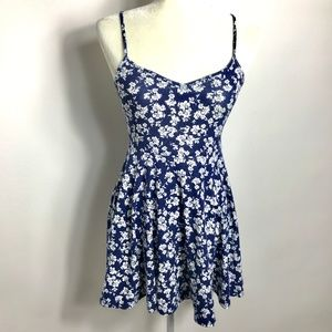 Forever 21 A-line Floral Dress Size Small